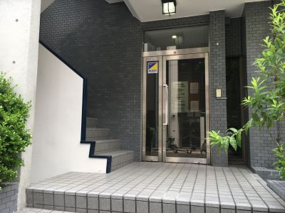 田町貸会議室の入口の写真