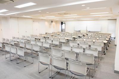 東京会議室 田町CC カンファレンスセンターの室内の写真