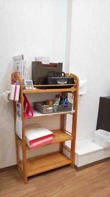 文房具など無料備品 - レンタルミニスペース フクリズム 2階の小部屋の設備の写真