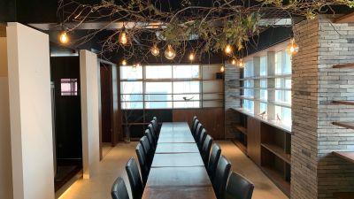 フェスタ京町堀レンタルスペース R+カウンター広々とした56㎡の室内の写真
