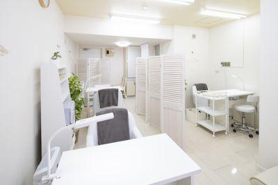 ネイル専用サロンモンレーブ横浜店 Bブースの室内の写真