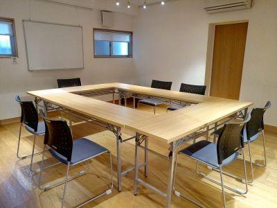 会議室としても - レンタルスペースぎゃらり~アニモ 多目的に利用可なレンタルスペースの室内の写真