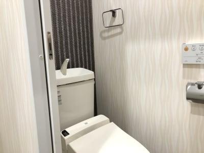 LQ天神橋三丁目ヨガスタジオ 2階まんなか個室(セラピー室)の設備の写真