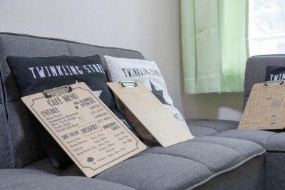 JK Room 日本橋店 ソファーで会議!映画鑑賞に最適!の室内の写真