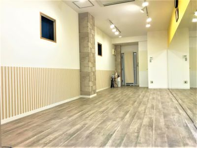 UraraStudio横浜西口店 レモンスタジオの室内の写真