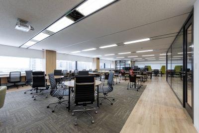 STAYUP横浜 イベント・会議スペースの室内の写真