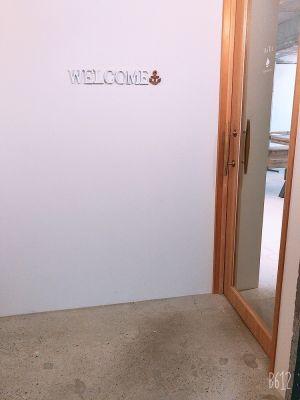 BATEL サロンスペースの入口の写真