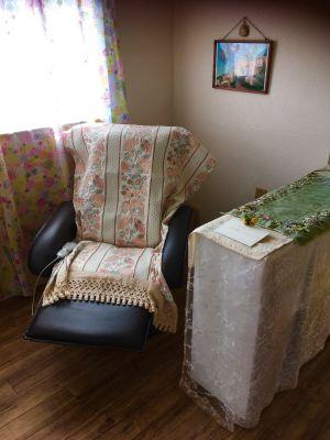 マッサージチェアーでリラックス - レンタルスペース・ラッキーBOXの室内の写真