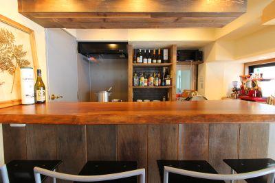 仲間に振る舞う自慢の味 - Koru Takanawa 貸切カフェキッチン・撮影スタジオの室内の写真
