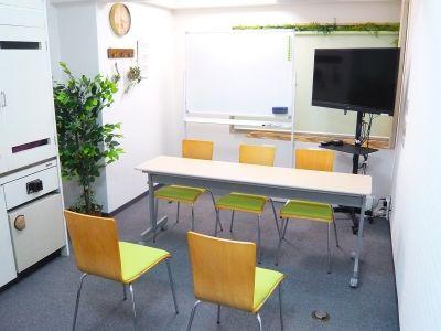 面接タイプ - お気軽会議室 リバティ淀屋橋 梅田から1駅/カタン導入♬の室内の写真