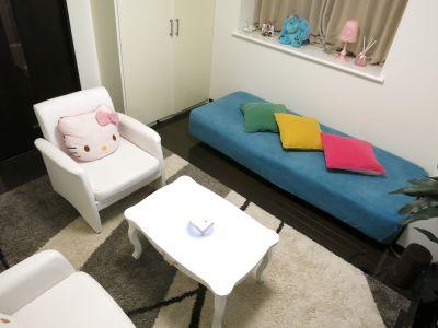 レンタルスペース「アジュール」 会議/パーティー/サロンスペースの室内の写真
