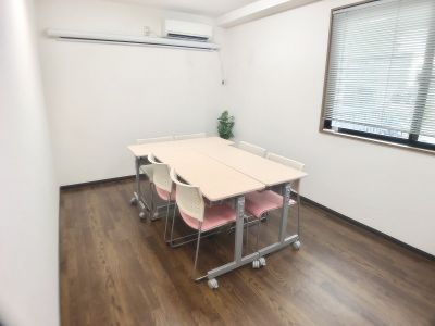 TSUBAKI新横浜 TSUBAKI新横浜スペースの室内の写真