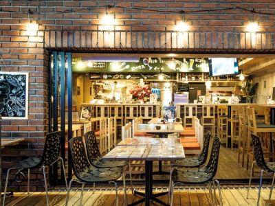ジョニーの原価酒場田町店 ~テラス貸切バーベキュー~の室内の写真