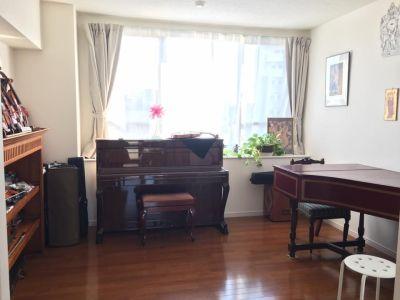 クローバルホール 音楽練習・ワークショップなどの室内の写真