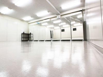 ★床材リノリューム+防振ゴム - FLASHスタジオ-渋谷- レンタルスタジオの室内の写真