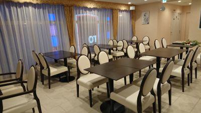 cafe&bar Liberty カフェ レンタルスペースの室内の写真