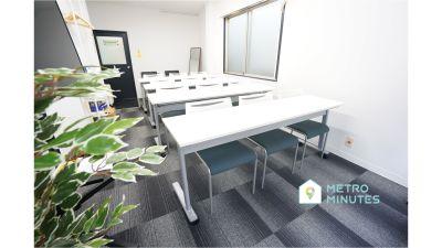【ポプラ会議室】 プロジェクタ無料の貸し会議室♪の室内の写真