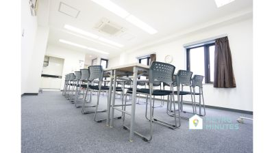 【ゼネラル会議室】 プロジェクタ無料の貸し会議室♪の室内の写真