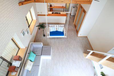 江ノ島ゲストハウス134 ブランコ・ロフト付きラウンジの室内の写真