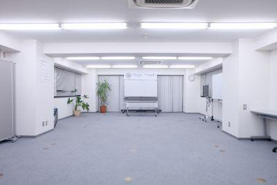 マジックハンズ ボディワークスペースの室内の写真