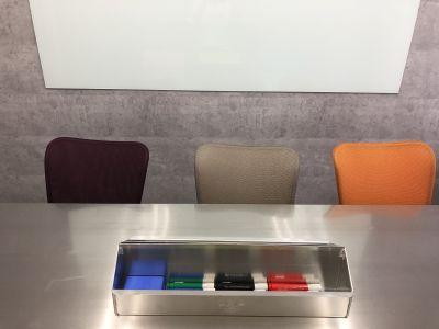 4色マーカーあり。ミーティングにもぴったり! - SSS渋谷 SSS渋谷 レンタルスペースの室内の写真