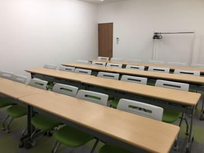 千葉中央大ホール・貸し会議室 第三会議室の室内の写真