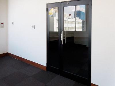 千葉中央大ホール・貸し会議室 第三会議室の入口の写真