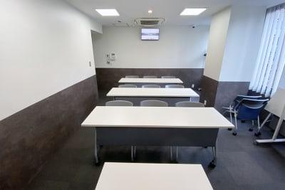 名古屋会議室 名古屋駅前店 第1会議室(基本プラン)の室内の写真