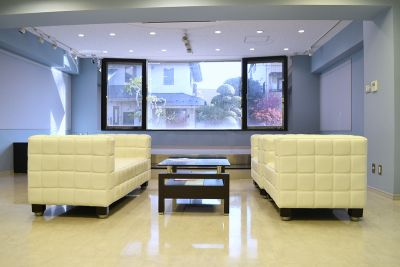 イシス自由が丘ギャラリー ギャラリースペースの室内の写真