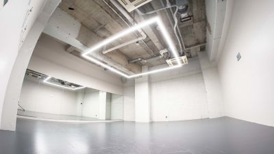 51平米、天高4mの開放的なスペースです! - StreetDancePark A studioの室内の写真