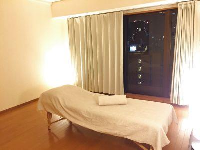静かでシンプルなお部屋です。 - LQ南森町プライベートサロン