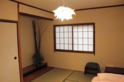 落ち着いた雰囲気の畳の和室! - 鶴橋商店街キッチン充実の一軒家!
