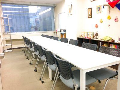アクセス良好♪ 新宿の格安会議室 - 【新宿三丁目】KJ貸し会議室