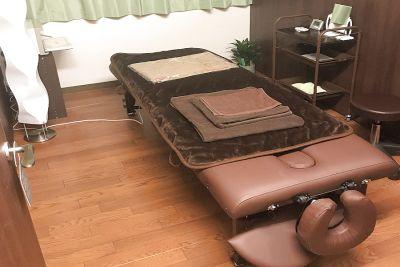充分な広さとエステに必要な備品が充実したエステスペース - Katty's Salon