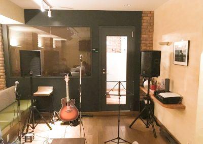 【ノルマに苦労したくない!】この値段で音楽ライブができるのはここだけ - 西新橋 貸会議室&電源・WiFiくつろぎカフェ|ロジカフェ