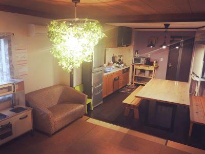 大きなテーブルがあるおしゃれなスペース!家族・友達の集まりや勉強会など。【日暮里駅徒歩7分】 - リンゴの木 レンタルスペース