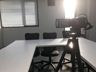 ミーティング、撮影スタジオ、セミナー、会議、動画撮影など多目的なシーンとしてご活用が可能です。 - OPEN特価!駅近多目的会議室!