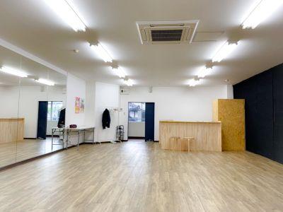 駅近レンタルスタジオ!定期レッスンやセミナー、撮影等に最適なスペース! - スタジオフルーク