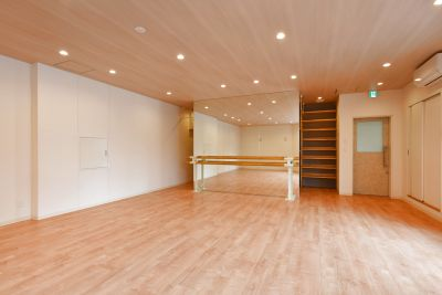 [大国町駅前徒歩1分]明るく清潔な24H多目的スタジオ!ダンス・ヨガ・ポージング・撮影やワークショップ/Wifi/電源あり - EXIA レンタルスペース