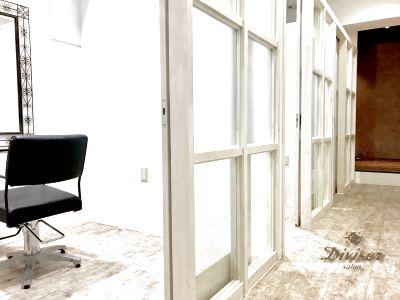 【 lnstabase おすすめ№1】駅すぐ!鍵付き完全個室1階店舗!ビューティシャンの夢を叶えます!時間貸し簡単開業! - レンタルサロン Diviser