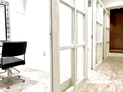 【 lnstabase おすすめ№1】徒歩1分、鍵付き完全個室1階店舗!ビューティシャンの夢を叶えます!開業満足度98.9% - レンタルサロン Diviser