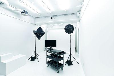 【三鷹・吉祥寺】撮影スタジオ|雑貨ショップ奥|WiFi・スピーカー・レンタル機材有 - STAYFUL