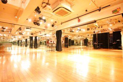 池袋の駅近スタジオ。ダンス、舞台、撮影、ヨガなど幅広い用途にご利用可能です。 - スタジオディライツ