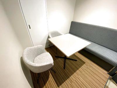 コワーキングスペースATOMicaの貸し会議室(4人部屋) - ATOMica