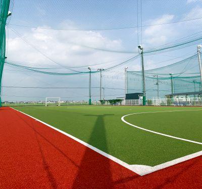 川越市にあるフットサルコートCです。フットサルやサッカーだけでなく他の競技でも利用できます。野球や陸上、野外ヨガなど - スグラムフットサルスタジオ