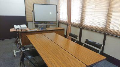 少人数制説明会、研修会向けレンタルスペース 打合せ、会議、講座、会社説明会、相談、商談、教室 - 貸会議室リヴィング・ラボとくしま