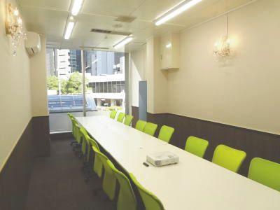 ルミエ大阪梅田会議室