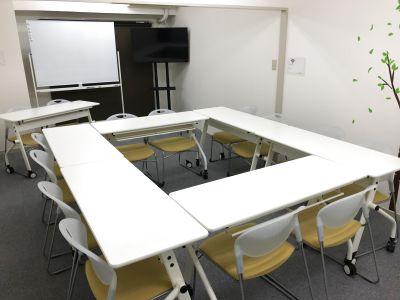 37㎡の広々スペースで3密回避、安心テレワーク♪☆ 完全個室☆ 無料wifi - e-会議室柏店