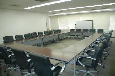 【神戸】三宮駅より徒歩5分!アクセス良好、ビジネスに便利な貸し会議室 〜28名様収容可能 - センタープラザ西館貸会議室