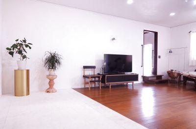 撮影、パーティー(キッチン完備)、など。一軒家、珪藻土塗壁、自然光。西横浜駅徒歩7分、駐車場、wifiあり(一般の方ご利用限定) - HOUSE124